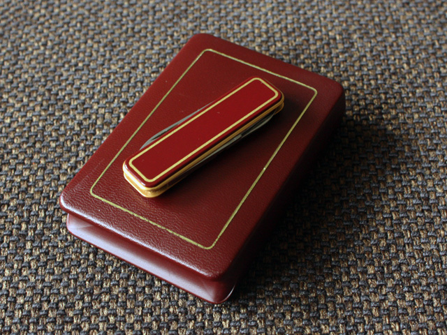 Victorinox De Luxe - burgundy, with gift box