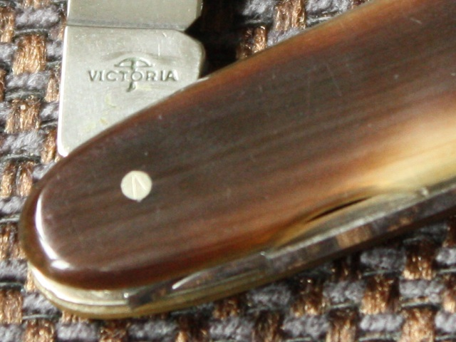 Victorinox (Victoria) model 72 H - tang stamp