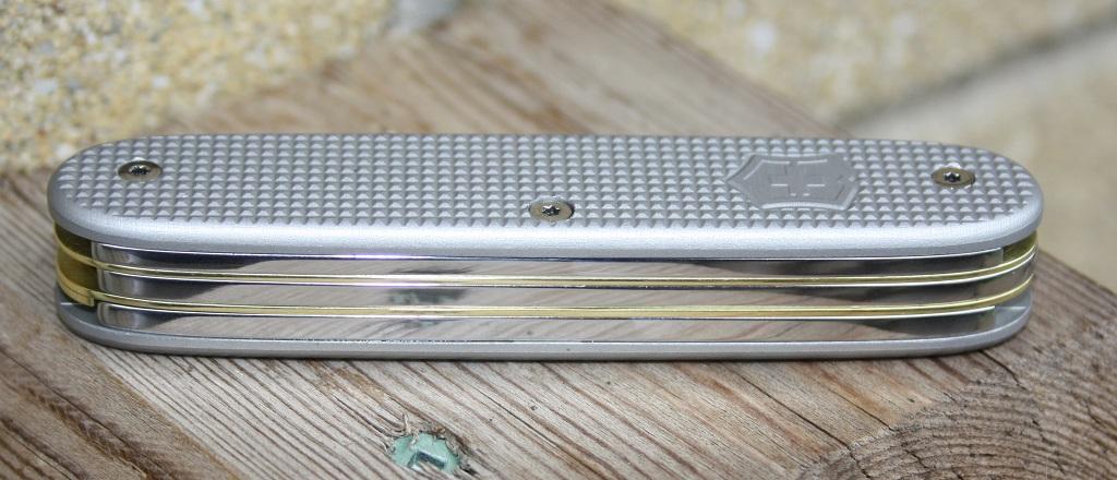 victorinox-custom-matte-gray-pioneer-scissors-brass-liners-by-syph007