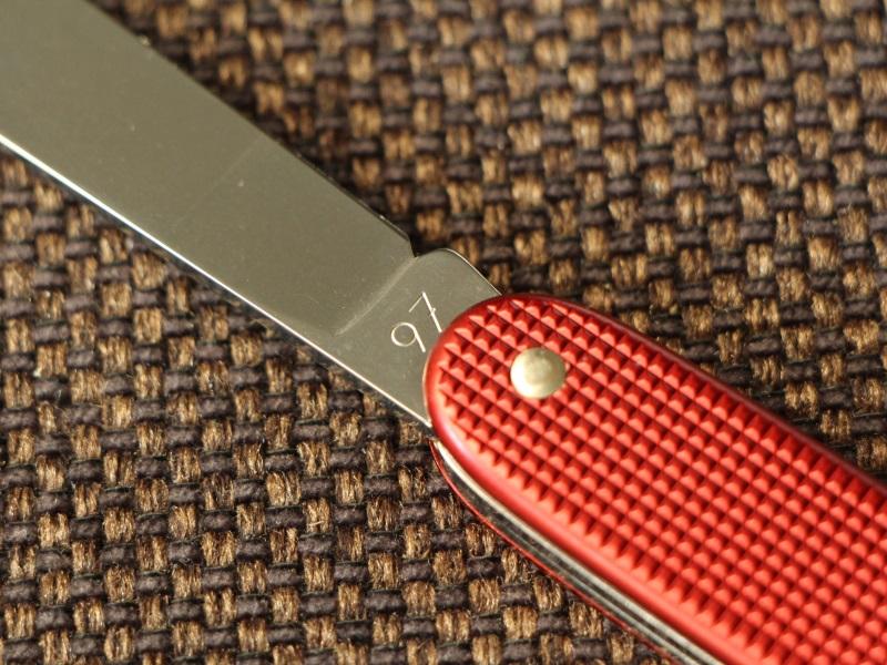 victorinox-red-pioneer-97-02